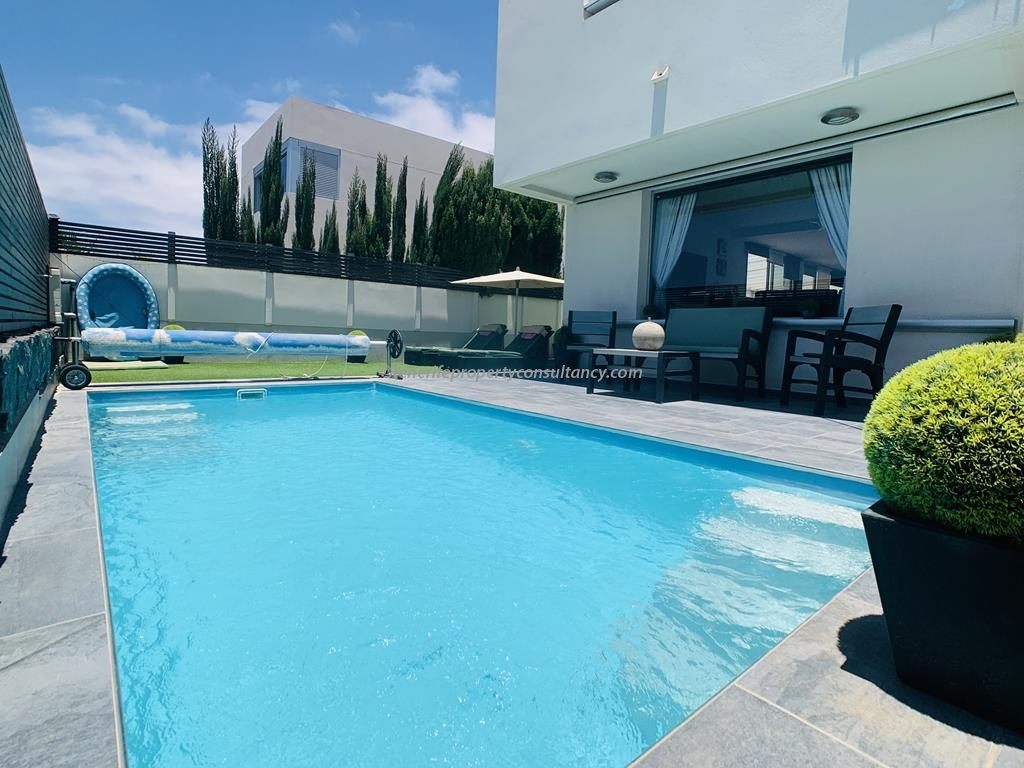 Villa 520,000 €