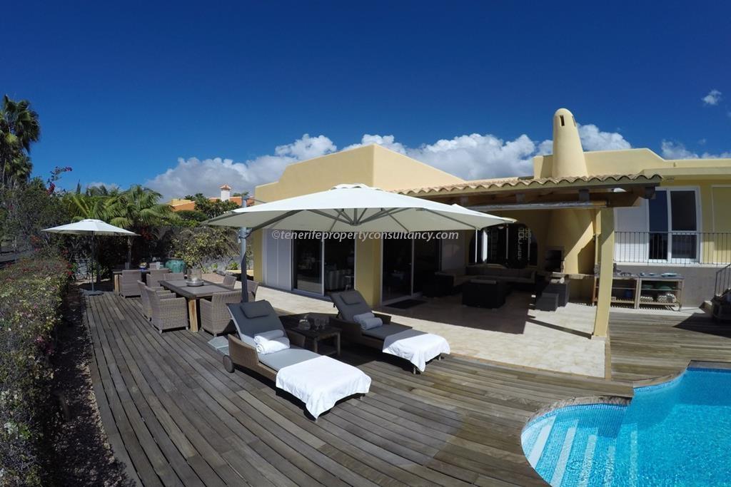 Villa 2,350,000 €